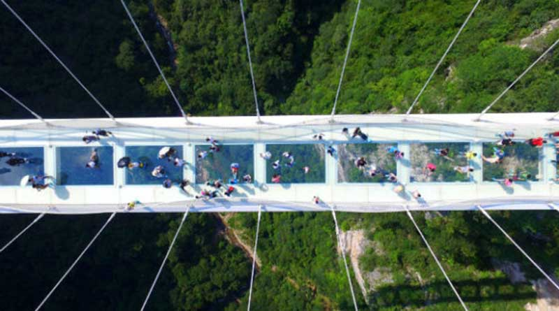 В Китае открыт самый высокий мост из стекла