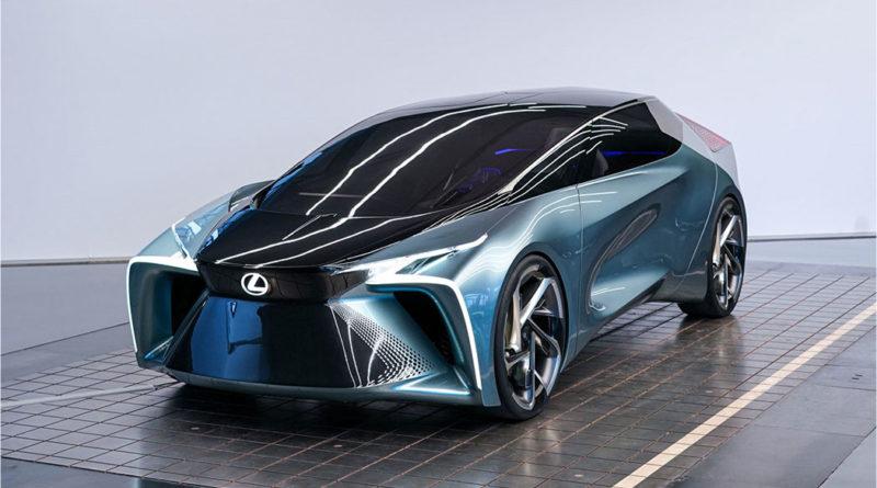 В новом электрокаре Lexus потолок оснастили экраном